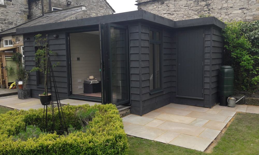 Dore garden offices giving you the space to work from home for Garden gym room uk